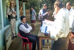 DC Goalpara along with CO monitors DOCSMEN training and Field Verification visits under Lakhipur Circle on 24th Nov, 2015.
