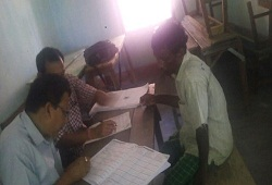 District NRC Team of Kokrakhar helping the jail inmtaes in filling up their NRC Application Form.